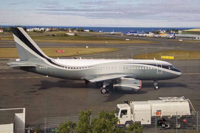 M-KATE A319-133 (ACJ) 4151 Sophar Property Holding @ Reykjavik Airport 08.2015 © Piti Spotter Club Verona