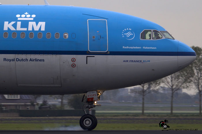 PH-AOK A330-203 834 KLM Royal Dutch Airlines @ Amsterdam Airport - 24.10.2015  © Piti Spotter Club Verona