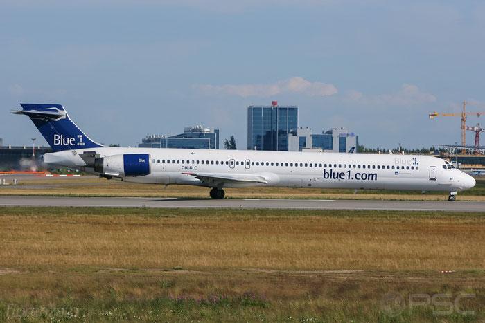 OH-BLC MD-90-30 53459/2141 Blue1 @ Helsinki Airport 2008 © Piti Spotter Club Verona