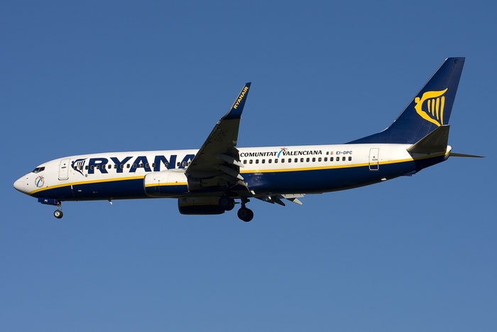 EI-DPC B737-8AS 33604/2120 Ryanair @ Bologna Airport 03.12.2012 © Piti Spotter Club Verona