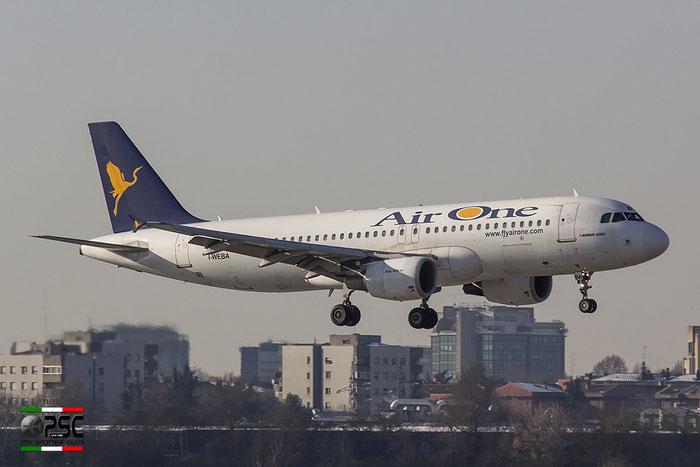I-WEBA  A320-214  3138  Air One @ Milano Linate 30.12.2014 © Piti Spotter Club Verona