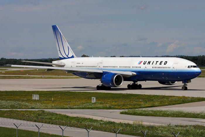 N769UA B777-222 26921/12 United Airlines @ München  Airport 05.2009 © Piti Spotter Club Verona