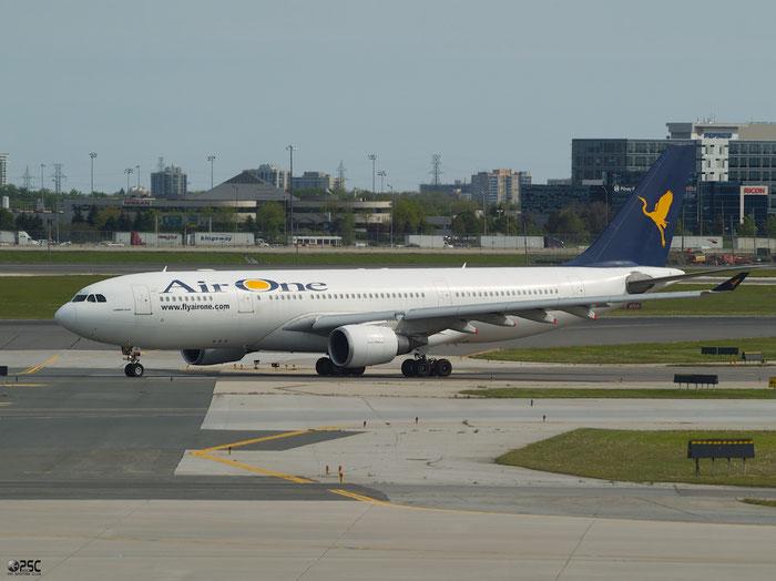 EI-DIR  A330-202  272  Air One  @ Toronto Airport 17.05.2013 © Piti Spotter Club Verona