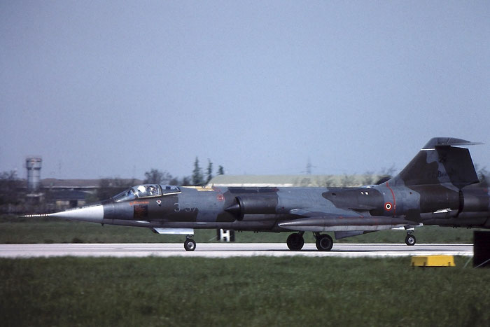 Gli F-104 del Terzo Stormo: 3-37 -  @ Aeroporto di Verona   © Piti Spotter Club Verona