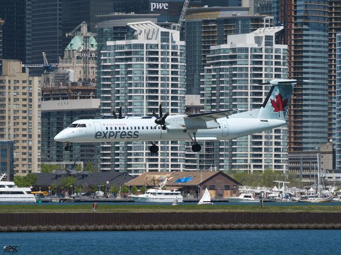 C-FSRN DHC-8-402 4170 Sky Regional Airlines @ Toronto Bishop 13.05.2013 © Piti Spotter Club Verona
