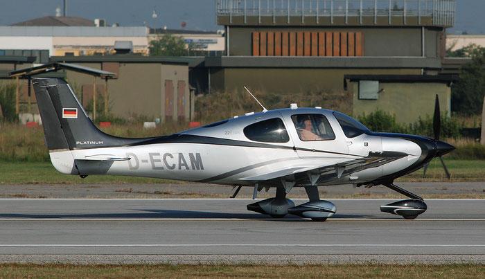 D-ECAM. Cirrus SR22T-GTS Platinum. @ Aeroporto di Verona 10.2018  © Piti Spotter Club Verona