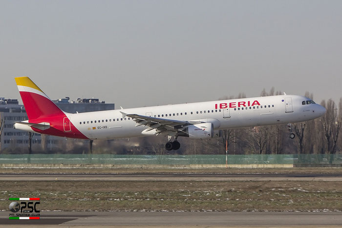 EC-IXD A321-212 2220 Iberia Líneas Aéreas de España @ Milano Linate Airport 30.12.2014 © Piti Spotter Club Verona