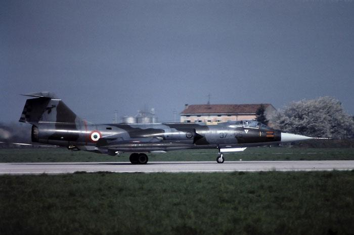 MM6800  37-25  F-104S-ASA  1100 @ Aeroporto di Verona   © Piti Spotter Club Verona