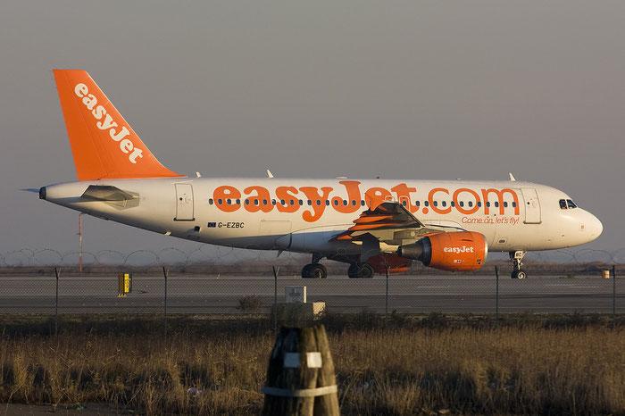 G-EZBC A319-111 2866 EasyJet Airline @ Venezia Airport 08.01.2012 © Piti Spotter Club Verona