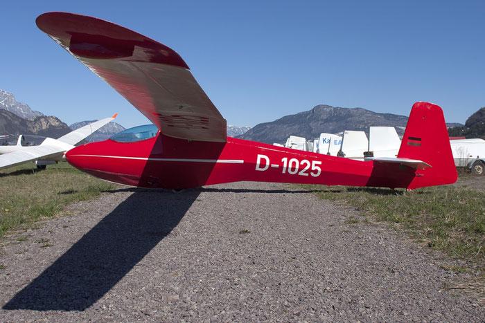 D-1025 - Schleicher ASH 25 - Detentore di due record mondiali @ Aeroporto di Trento © Piti Spotter Club Verona