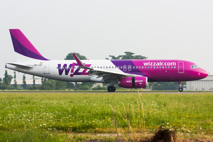 HA-LWT A320-232 5615 Wizz Air @ Treviso Airport 17.06.2013 © Piti Spotter Club Verona