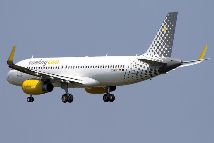 EC-MGE A320-232 6607 Vueling Airlines @ Venezia Airport 05.06.2015 © Piti Spotter Club Verona