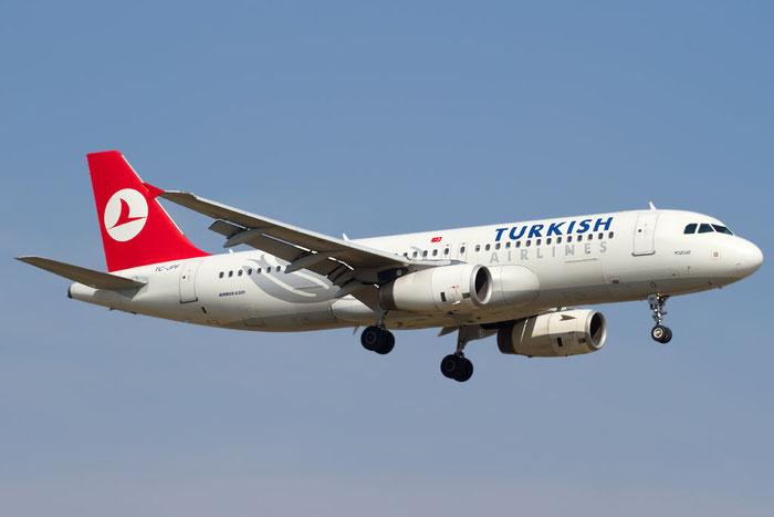 TC-JPF A320-232 2984 Turkish Airlines - THY Türk Hava Yollari @ Bologna Airport 10.10.2011 © Piti Spotter Club Verona