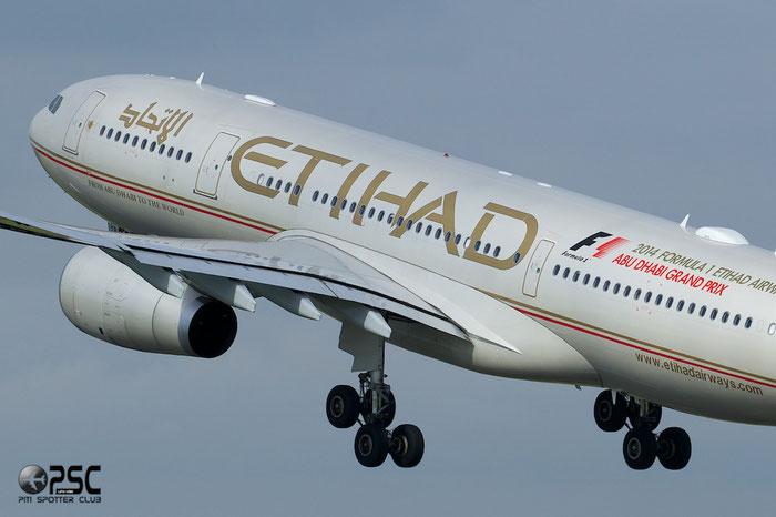 A6-EYR A330-243 975 Etihad Airways @ Manchester Airport 13.05.2014 © Piti Spotter Club Verona