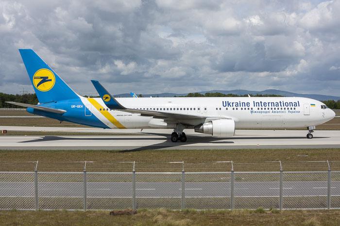 UR-GEA B767-322ER 25280/391 Ukraine International Airlines @ Frankfurt Airport 08.05.2015 © Piti Spotter Club Verona