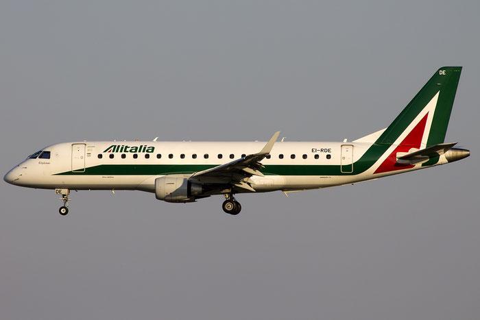 EI-RDE ERJ175STD 17000335 Alitalia CityLiner @ Venezia Airport 22.08.2015 © Piti Spotter Club Verona
