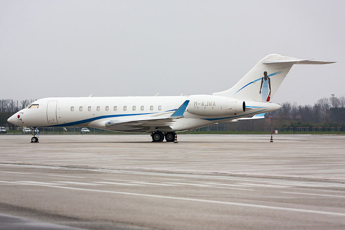 M-AJWA Global 5000 9182 A.J. Walter (Aviation) Ltd. @ Treviso Airport 24.03.2013 © Piti Spotter Club Verona