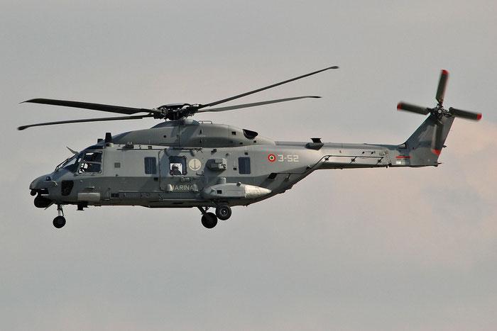 MM81624  3-52  MH-90A  1384/ITNT02  GRUPELICOT 5 @ Aeroporto di Verona   © Piti Spotter Club Verona