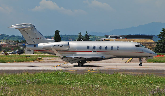 9H-VCK CL-350 20592 VistaJet Malta © Piti Spotter Club Verona