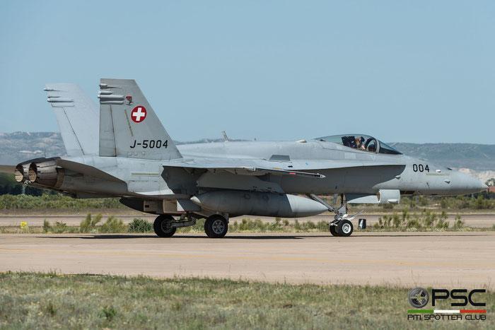 J-5004   F/A-18C-48-MC  1320/SFC004   © Piti Spotter Club Verona