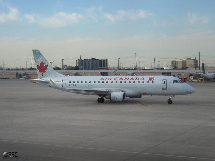 C-FEIX ERJ175SU 17000085 Sky Regional Airlines @ Toronto Pearson 17.05.2013 © Piti Spotter Club Verona