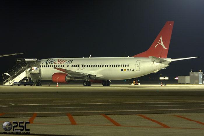 EC-LAV B737-408 24352/1705 AlbaStar @ Milano Malpensa Airport 13.12.2014 © Piti Spotter Club Verona