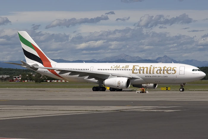 A6-EKX A330-243 326 Emirates @ Milano Malpensa Airport 07.2009 © Piti Spotter Club Verona