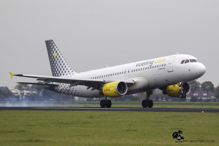EC-MCU A320-214 3907 Vueling Airlines @ Amsterdam Airport 24.10.2015 © Piti Spotter Club Verona