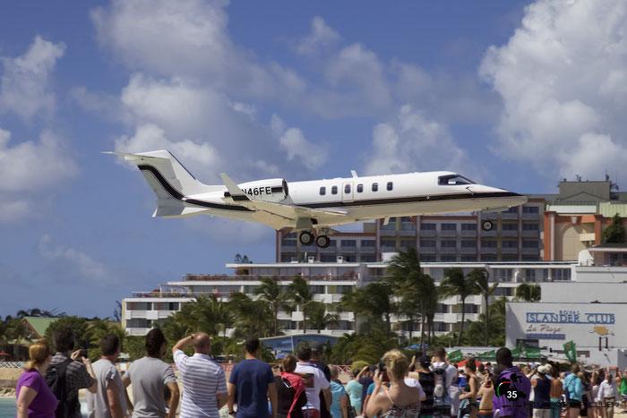 N46FE Learjet 40 45-2010 Green KIng Inc. @ Sint Maarten Airport 05.03.2016 © Piti Spotter Club Verona