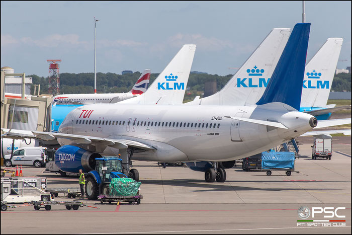 LY-OWL  A320-232  2029  GetJet Airlines @ Amsterdam 2019 © Piti Spotter Club Verona