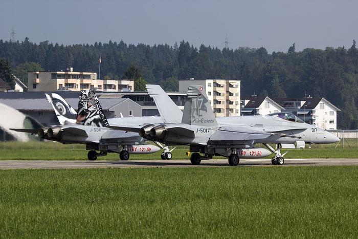 J-5017   F/A-18C-49-MC  1365/SFC017  Fliegerstaffel 17 © Piti Spotter Club Verona