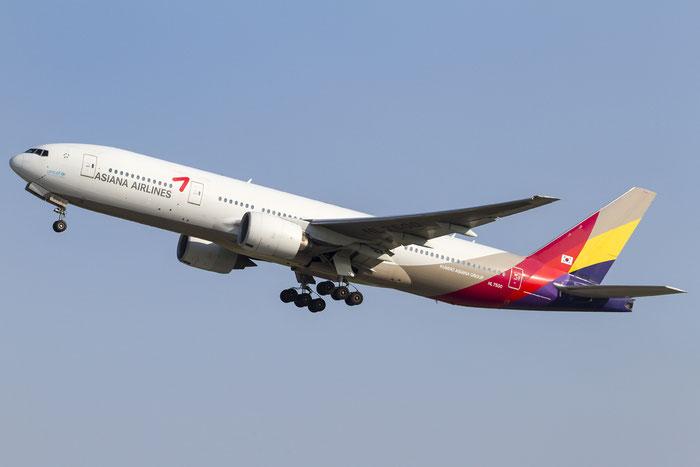 HL7500 B777-28EER 28685/400 Asiana Airlines @ Venezia Airport 08.08.2014 © Piti Spotter Club Verona