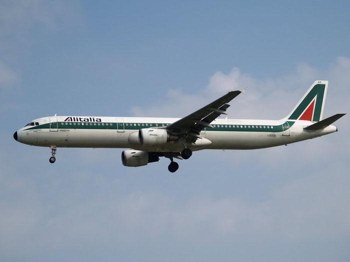 I-BIXR A321-112 593 Alitalia @ London Heathrow Airport 08.2007  © Piti Spotter Club Verona