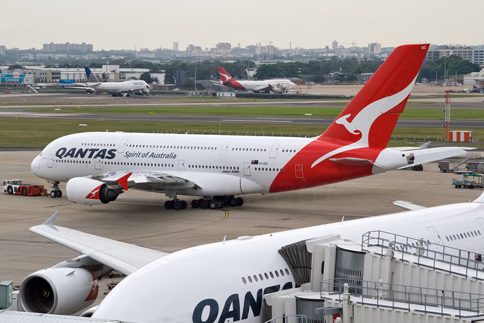 VH-OQC A380-842 22 QANTAS @ Sydney Airport 16.11.2011 © Piti Spotter Club Verona