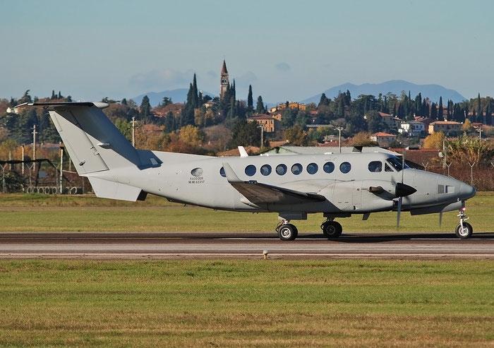MM62317   Beech KA-350ER  FL-711  71° Gruppo   @ Aeroporto di Verona   © Piti Spotter Club Verona