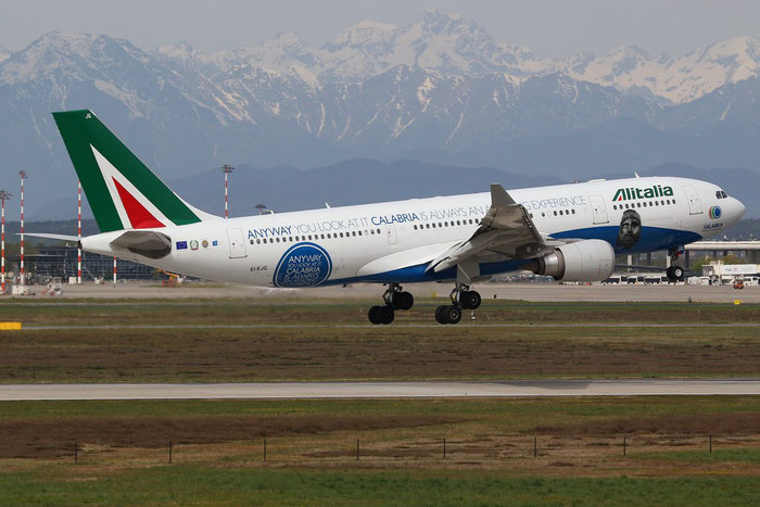 EI-EJG A330-202 1123 Alitalia @ Milano Malpensa Airport 14.04.2015 © Piti Spotter Club Verona