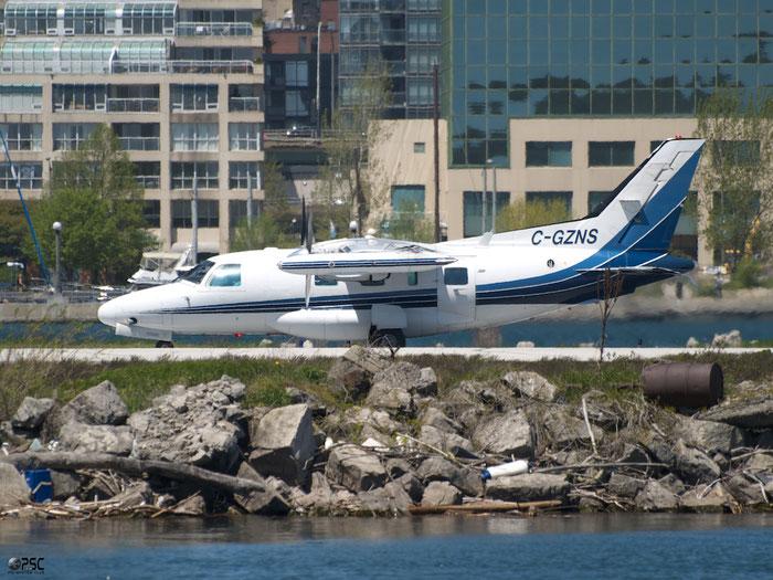 C-GZNS MU-2B-60 1550SA Thunder Airlines @ Toronto Bishop Airport 15.05.2013 © Piti Spotter Club Verona