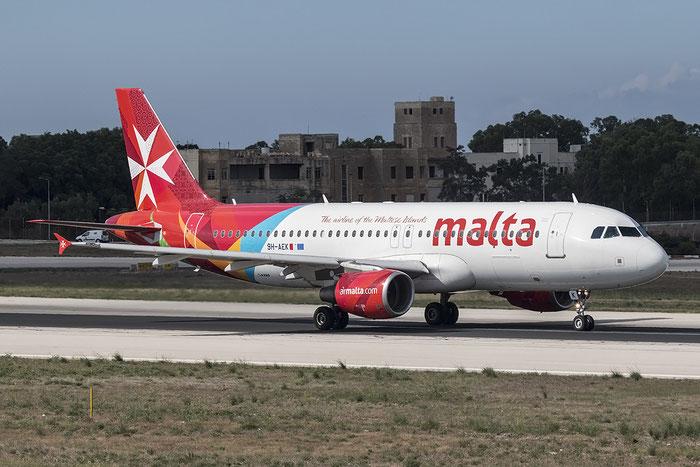 9H-AEK A320-214 2291 Air Malta @ Malta Airport 08.2015 © Piti Spotter Club Verona