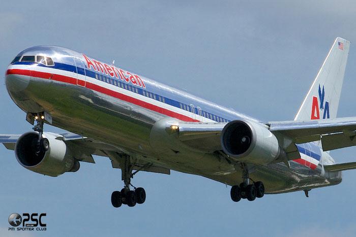 N39367 B767-323ER 25194/394 American Airlines @ London Heathrow Airport 12.06.2014 © Piti Spotter Club Verona