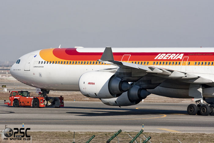 EC-LFS A340-642 1122 Iberia Líneas Aéreas de España @ Madrid Airport 01.2012 © Piti Spotter Club Verona