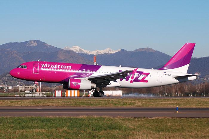 UR-WUB A320-232 3741 Wizz Air Ukraine @ Bergamo Airport 05.01.2015 © Piti Spotter Club Verona