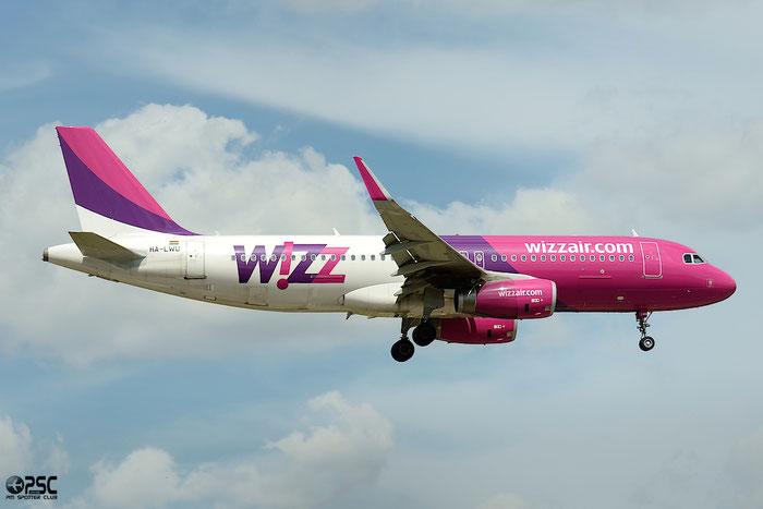 HA-LWU A320-232 5617 Wizz Air @ Bologna Airport 04.05.2014 © Piti Spotter Club Verona
