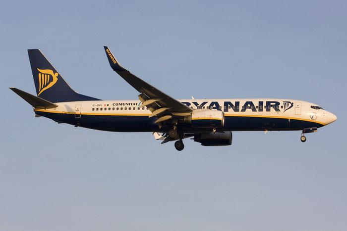 EI-DPI B737-8AS 33608/2173 Ryanair @ Treviso Airport 09.12.2011 © Piti Spotter Club Verona