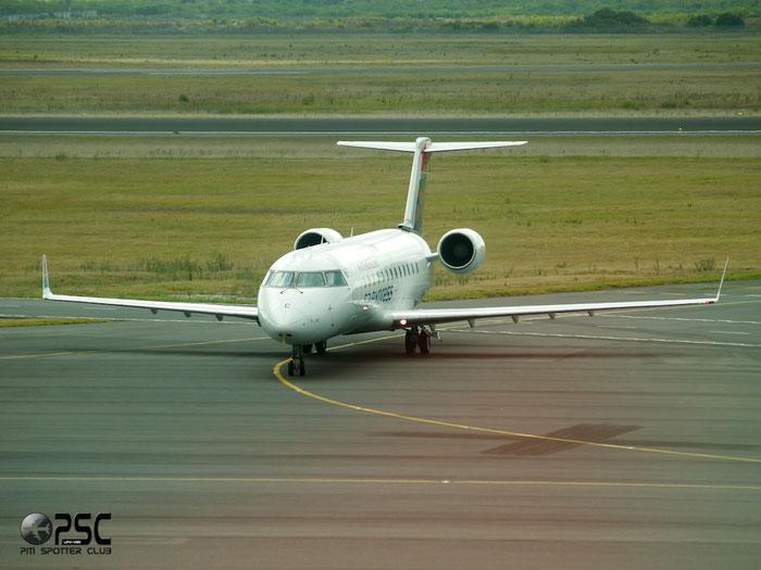 ZS-NMC CRJ200ER 7225 SA Express @ Cape Town Airport 22.03.2014 © Piti Spotter Club Verona