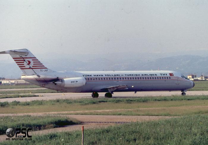 TC-JAF  DC-9-32  47451/547  Turkish Airlines - THY Türk Hava Yollari  @ Aeroporto di Verona © Piti Spotter Club Verona