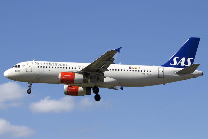 OY-KAM A320-232 2911 SAS Scandinavian Airlines - Scandinavian Airlines System @ London Heathrow Airport 13.05.2015 © Piti Spotter Club Verona