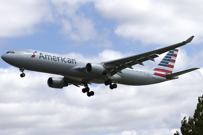 N276AY A330-323X 375 American Airlines @ London Heathrow Airport 05.2015 © Piti Spotter Club Verona
