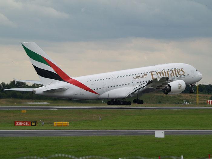 A6-EDE A380-861 17 Emirates @ Manchester Airport 20.07.2012 © Piti Spotter Club Verona