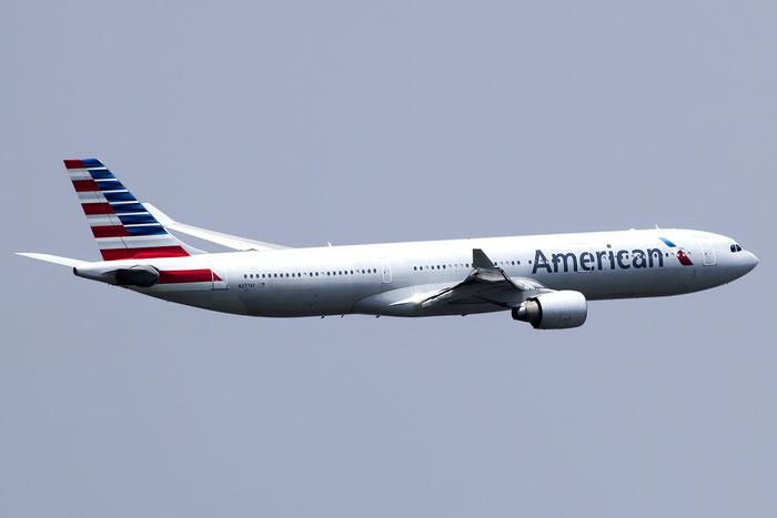 N277AY A330-323X 380 American Airlines @ Venezia Airport 25.04.2016 © Piti Spotter Club Verona