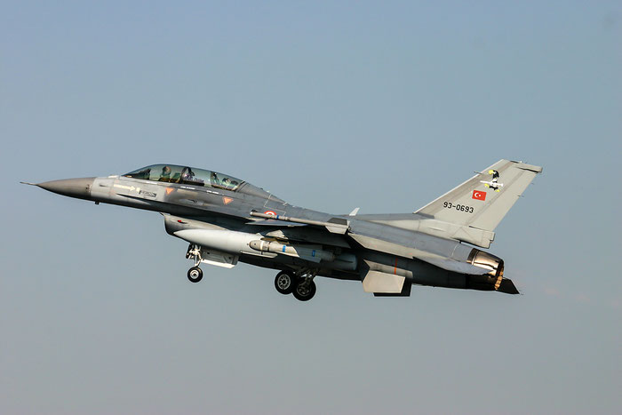 93-0693   F-16D-50-CF  HD-3  151 Filo © Piti Spotter Club Verona